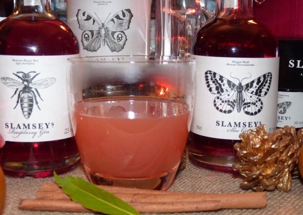 sloe gin and apple juice