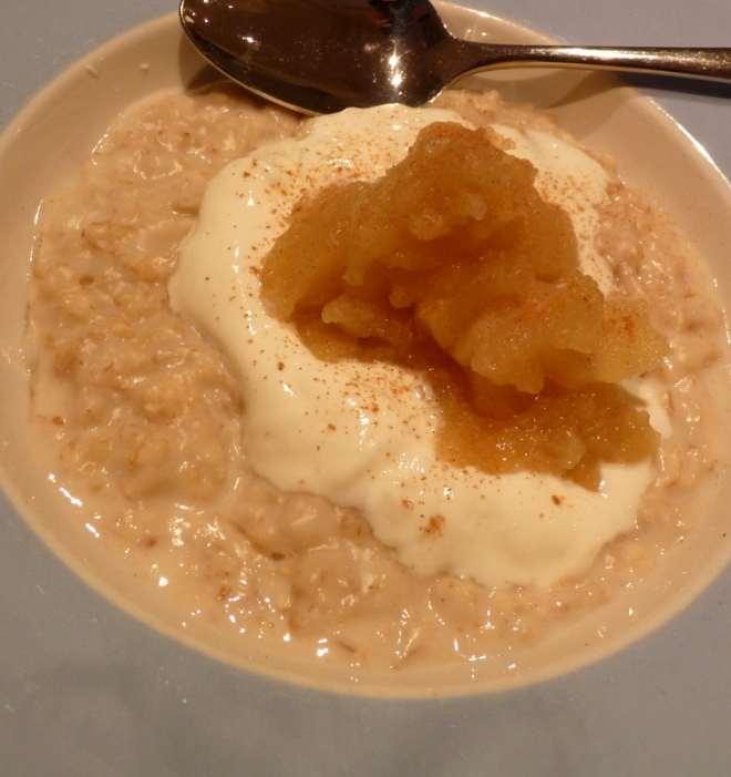 porridge with apple and yoghurt