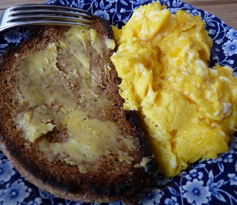 toast and scrambled eggs