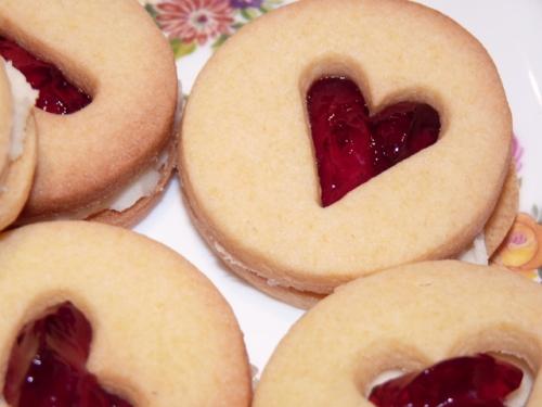 heart biscs-001
