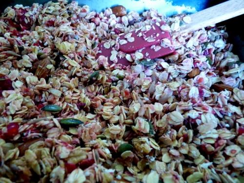 raspberry granola