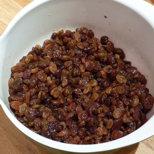 soaking fruit for Christmas cake