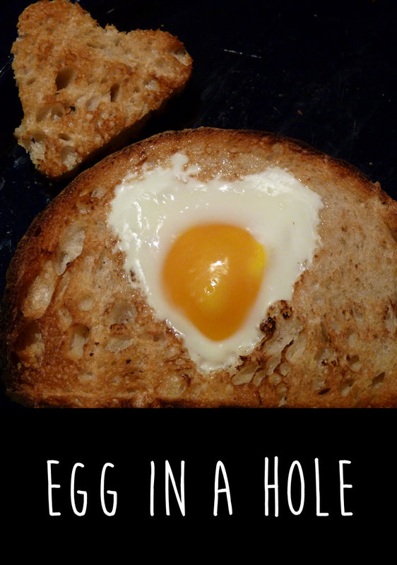 How to make Egg in a Hole