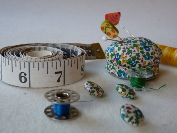 tape measure sewing thread