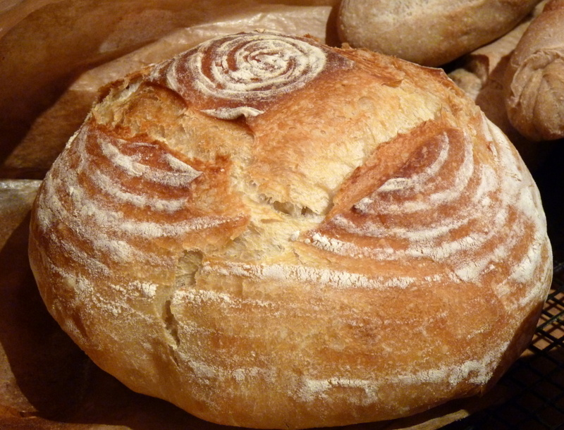 bread baked in cast iron pot