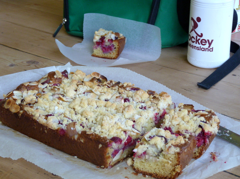 packing raspberry crumble cake for evening cold boxes