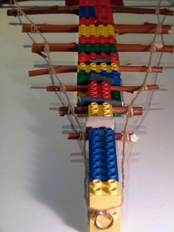 make a hanging christmas tree