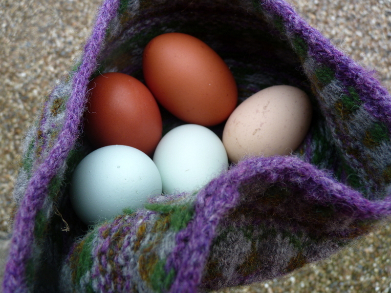 hat and eggs