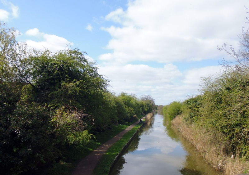 Monarch's Way Worcester canal